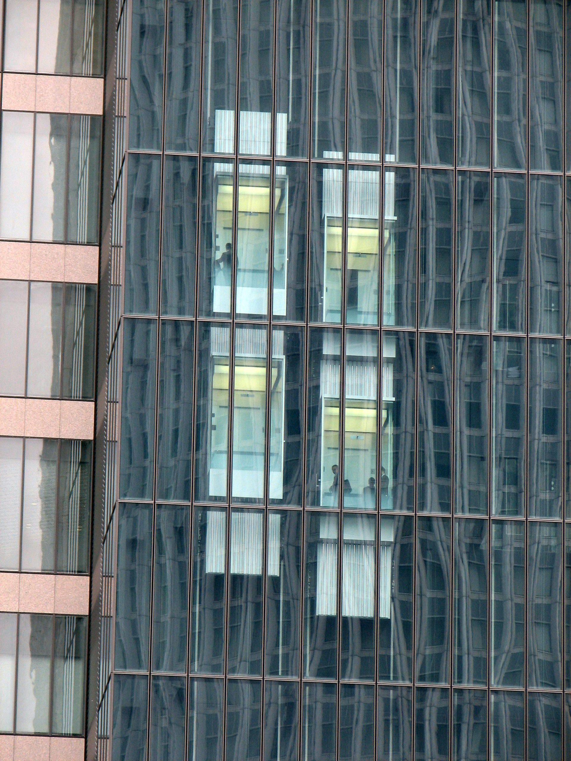 מרום מעליות התקנת מעליות